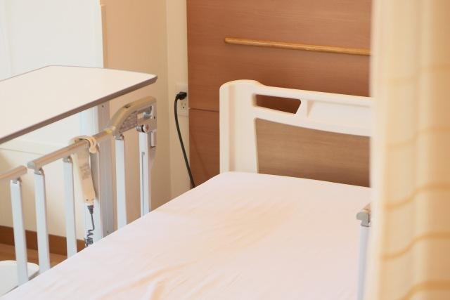 統合失調症で入院した閉鎖病棟の病室。